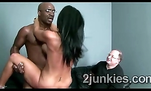 Perv makes his beautiful brunette wife around giving black schlong
