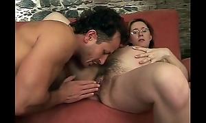 Oral pleasure be useful to preggo pussy