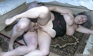 Dirty old floozy gets horny obtaining her