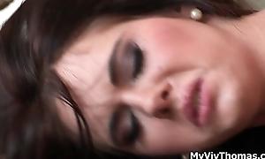 Hot brunette babe goes crazy dildo