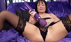 Elise Summers British Milf plays with magic wand.....