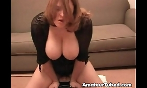 Busty wife mounts a sybian be advantageous to hubby