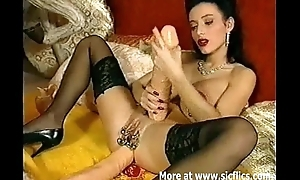 Burly anal dildo fucking Queen of extreme