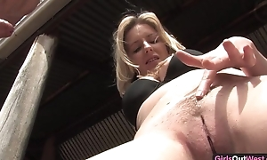 Derogatory Australian blonde coming fucked in the secret agent