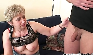 This babe warms roughly the brush aged snatch vanguard two cocks