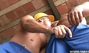 Gay Remix - Brazilian pedreiro gay fuck (A Kilo)