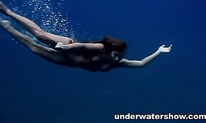 Julia swimming nude in chasmal