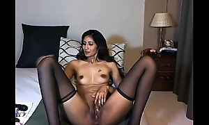 indian milf depth wide masturbating
