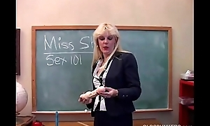 Prime MILF teaches you about their way pussy