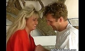 Hawt blonde milf together with her sexy queasy pussy