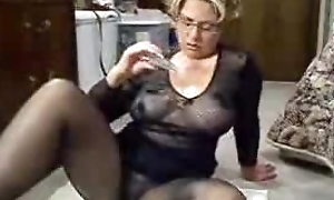 Mrs Jen : nylon oil milf