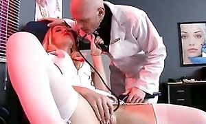 Small tit doxy receives say no to pussyhole fucked fast and deep