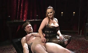 Submissive guy gets anally fucked by simmering mistress