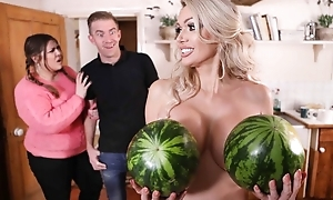 Glamorous housewife thither high heels gets team-fucked thither the kitchen