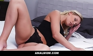 Beautiful blonde MILF gets will not hear of asshole fucked and creamed